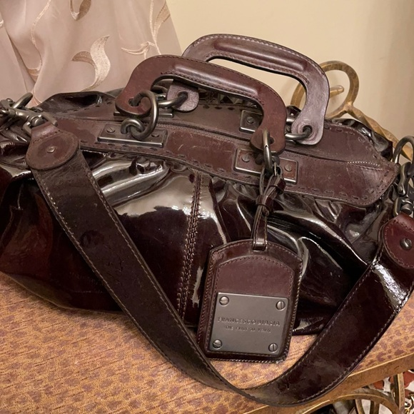 Francesco Biasia brown patent leather purse